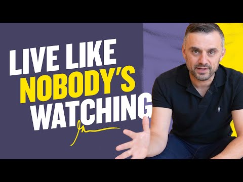 PLOT TWIST: You Are Now The Only Person on Earth | DailyVee 578